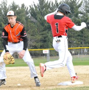 Cardinals pull a 6-4 win over Argyle